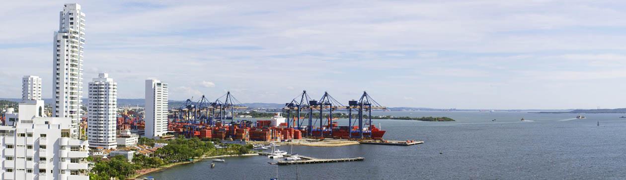 Bahía de cartagena ubicada a corta distancia del Canal de Panamá