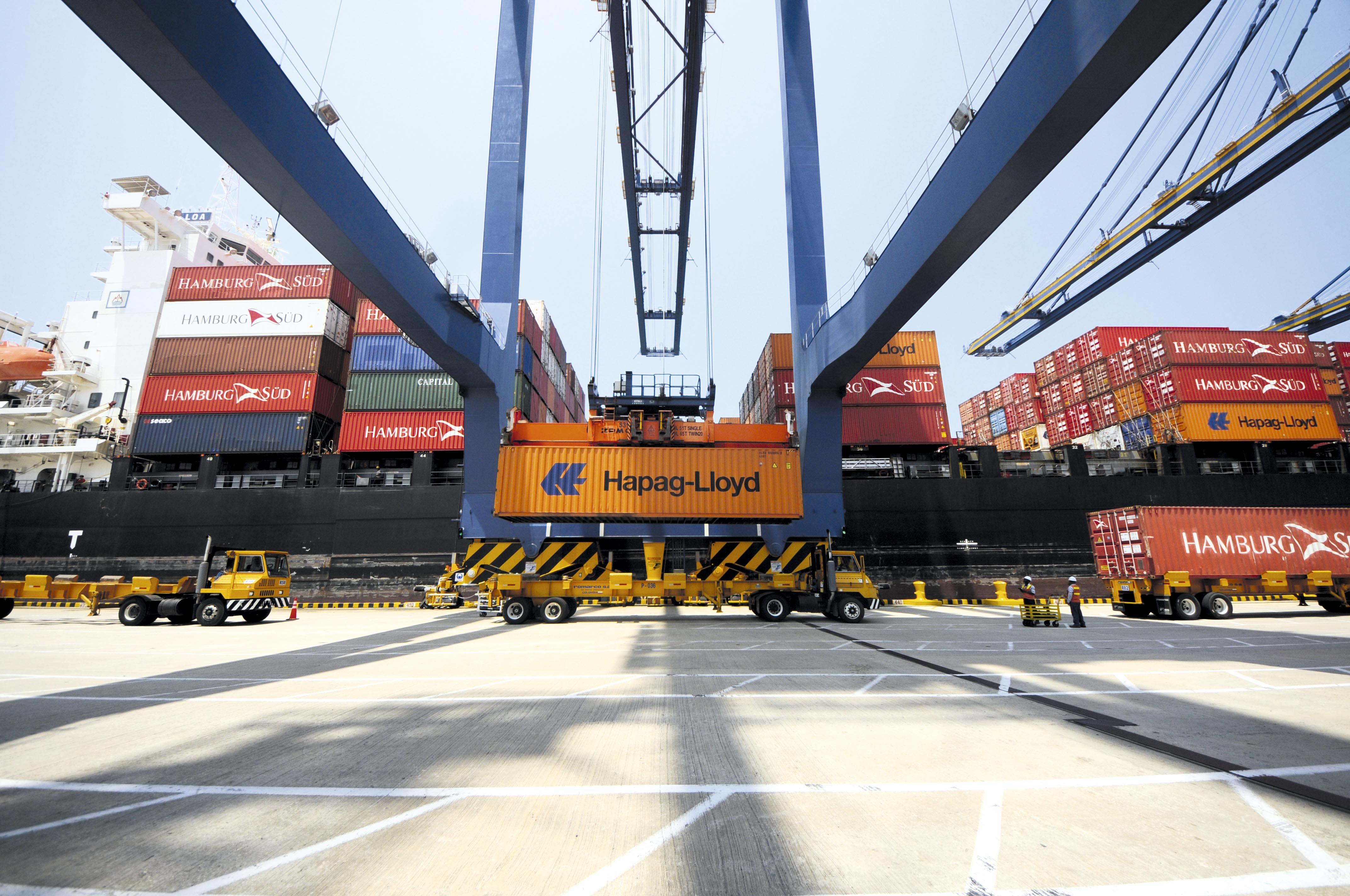 Modernización del sistema aduanero (terminal de contenedores) en Colombia.