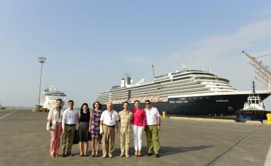 Julián Guerrero, vicepresidente de turismo de Procolombia; Francisco Vergara, representante de procolombia en Cartagena y representantes de la Terminal de Cruceros de Cartagena y la Sociedad Portuaria Regional de Cartagena.