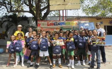 Niños de la Institución Educativa Almirante Padilla