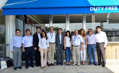 Altos directivos de las compañías de ZPMC y CCC acompañados por los directivos de la Organización Puerto de Cartagena