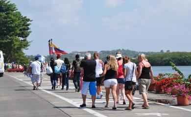 Entre el 31 de diciembre de 2016 y el 1 de enero de 2017 se espera la recalada de 5 cruceros que arribarán a la terminal de Cartagena en los que vendrán 10.981 visitantes que se traducen en más oportunidades para proyectar a Cartagena y a Colombia ante en mundo.
