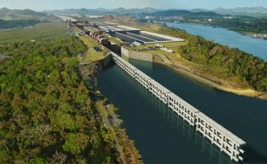 Cuatro año después de una primera visita y con las nuevas esclusas recién inauguradas, un grupo de 20 periodistas de la ciudad de Cartagena regresan al Canal de Panamá invitados por el Grupo Puerto de Cartagena