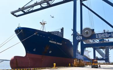 El barco MAERSK DAKAR en la Terminal Sociedad Portuaria de Cartagena da inicio al servicio GOEX