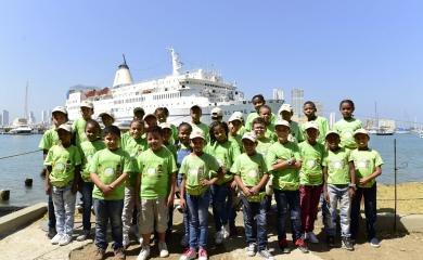La visita al barco Logos Hope, se enmarca en las salidas lúdico pedagógicas que tiene la Fundación Puerto de Cartagena con los beneficiarios de sus programas.
