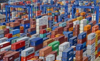 La Organización Puerto de Cartagena cerró el tercer trimestre del año con 570.231 TEU movilizados, para un total de 1.756.925 TEU entre enero y octubre. El 70% (1.371.780) de los contenedores correspondió a carga en tránsito internacional, mientras el restante 30% (507.921) se trató de carga doméstica (de importación y exportación).
