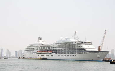 Seven Seas Navegator, al igual que el Seven Seas Explorer pertenecen a la línea Regent Seas Cruises