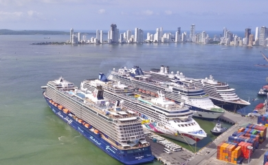 Con 12.900 visitantes a bordo, los cruceros Mein Schiff 4, Norwegian Jewel, Celebrity Infinity y Zuiderdam estuvieron amarrados en la Sociedad Portuaria Regional de Cartagena durante más de siete horas.