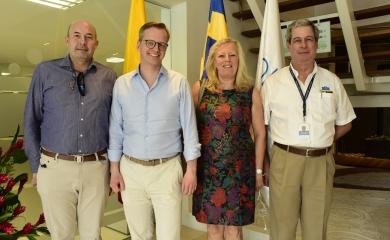 De izquierda a derecha Giovanni Benedetti director comercial de la SPRC y cónsul de Suecia, Mikael Damberg Ministro de Empresa e Innovación de Suecia, Marie Andersson de Frutos embajadora de Suecia en Colombia y Juan Carlos Acosta gerente de Contecar.