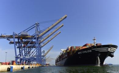 Próximamente arribarán a Cartagena seis nuevas Grúas Pórtico Súper Pos-Panamax que adquirió la Organización Puerto de Cartagena, con el objetivo de convertir al país en el principal centro de conexiones marítimas del Caribe y ubicar a la ciudad entre los 30 puertos más importantes del mundo.