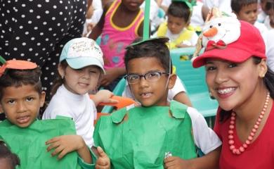 La Fundación Puerto de Cartagena se encuentra en una jornada maratónica para celebrar la navidad con los niños que integran los diferentes programas que desarrolla durante todo el año en las comunidades que hacen parte de la zona de influencia de Contecar y Sociedad Portuaria de Cartagena.