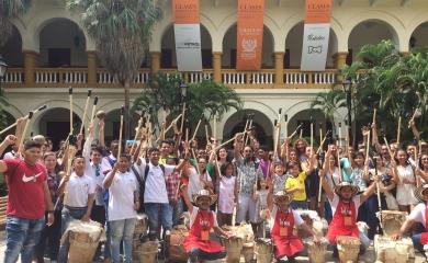 """Los jóvenes del grupo de Gaita """"Juventud Líder"""", iniciativa de la Fundación Puerto de Cartagena,tuvieron la oportunidad de participaren los talleres de lutería y clínica de mantenimientos de gaitas y tambores, los cuales se llevaron a cabo en el marco del XII Festival internacional de Música."""
