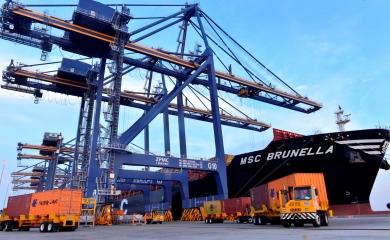 MSC Brunella en el muelle de Sociedad Portuaria Regional de Cartagena
