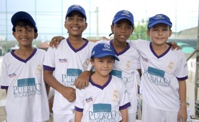 El programa impacta 400 niños y jóvenes de comunidades vulnerables de Cartagena, 200 jóvenes son patrocinados por la Fundación Puerto de Cartagena y otros 200 por la Alcaldía de Cartagena