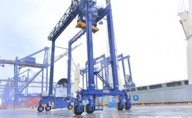 Llegaron seis nuevas grúas de patio a la Organización Puerto de Cartagena.