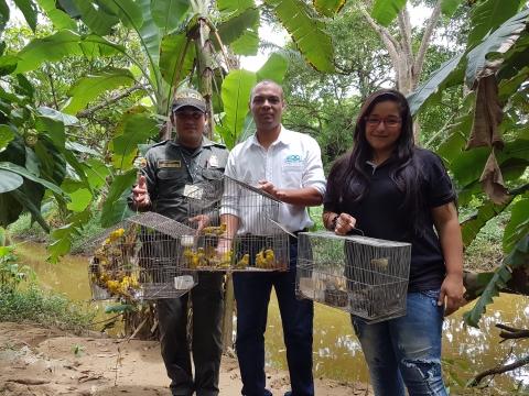 En el marco de las celebraciones por el día mundial de los animales (4 de octubre)la Organización Puerto de Cartagena liberó, junto al EPA-Cartagena y la Policía Metropolitana de Cartagena y el grupo de policía ambiental y ecológica, aves que llegaron al Oasis Portuario