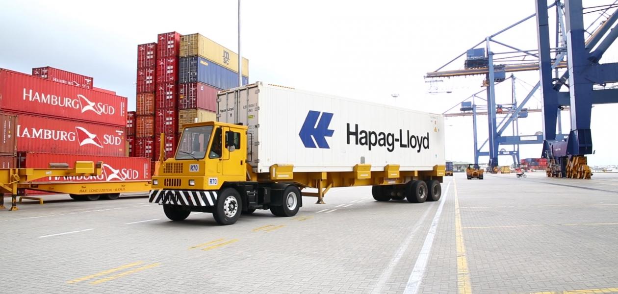 El Grupo Puerto de Cartagena es el puerto del comercio colombo americano, recibe y origina más del 60% de la carga en contenedores.