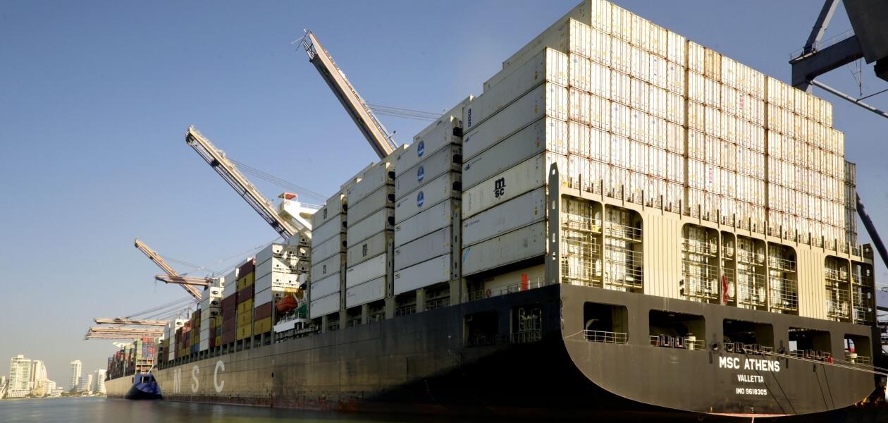 Buque con carga para exportar SPRC