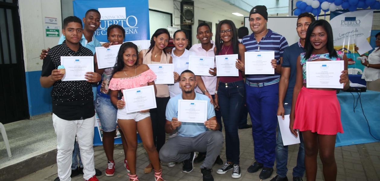 Como parte de las acciones de responsabilidad social se capacitaron a través de la Fundación Puerto de Cartagena, más de 150 personas de las comunidades vecinas de SPRC y Contecar