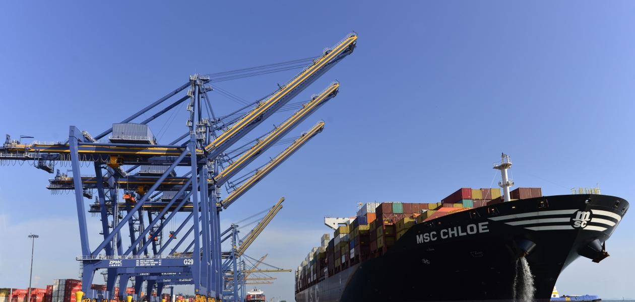 Con el arribo de seis grúas Pórtico Súper Pos-Panamax la Organización Puerto de Cartagena está Comprometida con la Competitividad del País