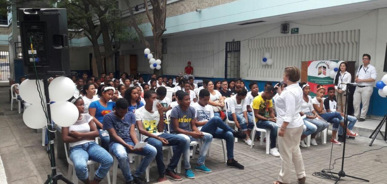 """90 jóvenes de los barrios San Isidro Bajo, Ceballos, Nuevo Oriente y Albornoz forman parte de la tercera  promoción de """"Juventud líder"""""""