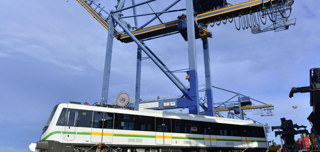 Primera entrega de la flota de Trenes del Metro de Medellín arribarona la Terminal de Contecar procedentes de Valencia España.