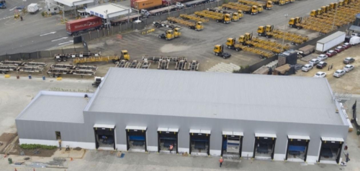 Ya está todo listo para la inauguración del edificio de Cross Docking Refrigerado con sede en Contecar. Esta obra se concibió con el propósito de seguir ofreciendo los mejores servicios logísticos y portuarios para carga refrigerada.